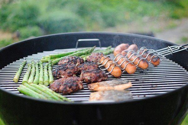 grilling food