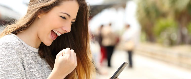 5 Ways To Text A Girl To Keep Her Attention